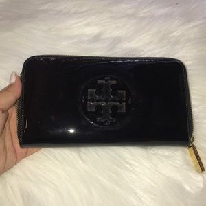 Tory Burch Polished Leather Continental Wallet